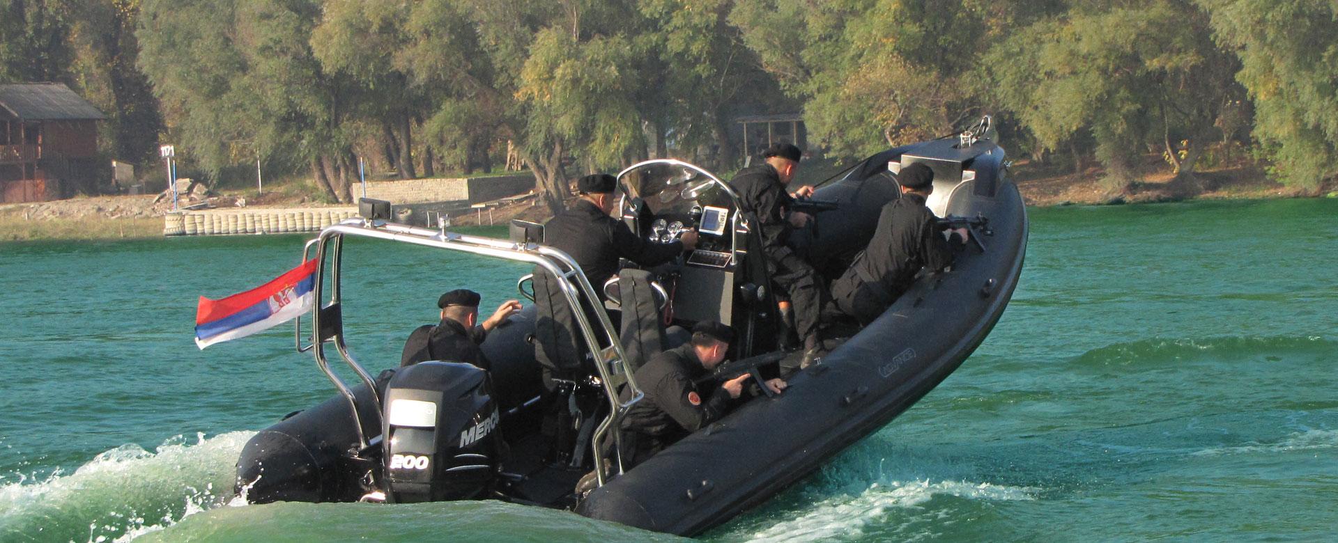 advanceboat-policija