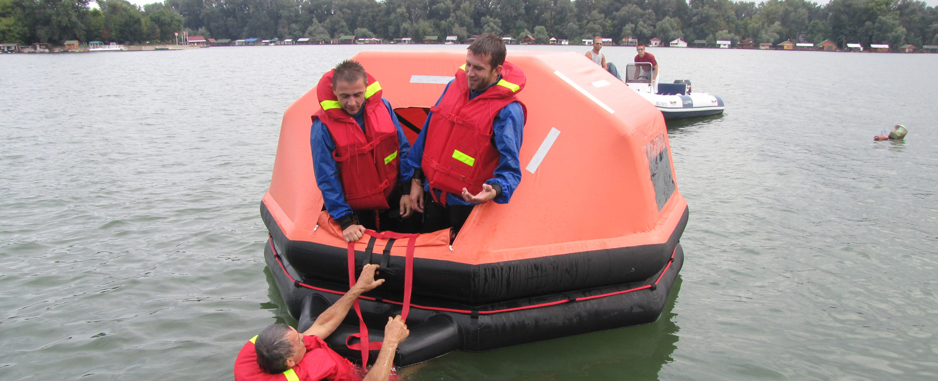 life-vest-slide-3